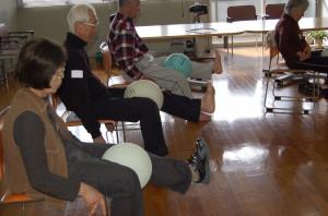 介護予防体操講座の様子㈪